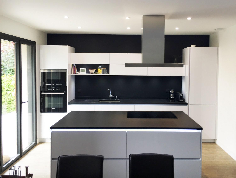 installation cuisine alno antony dans les hauts de seine plan granit. Black Bedroom Furniture Sets. Home Design Ideas