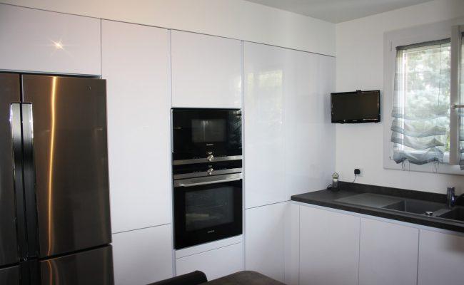 epinay sur orge 91 cuisines leicht antony 92. Black Bedroom Furniture Sets. Home Design Ideas