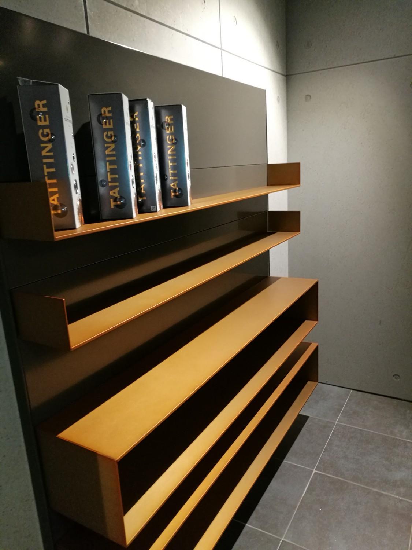 les cuisines alno inox paris d couverte du 1er showroom fran ais. Black Bedroom Furniture Sets. Home Design Ideas