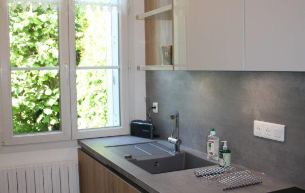 Cuisine LEICHT laque platine , bois et béton à Fontenay aux roses (92)
